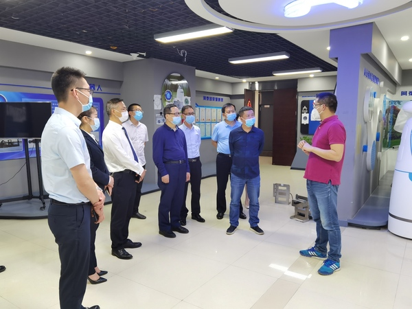 4.28新疆生产建设兵团建工师工商联来和美易通参观考察2.jpg